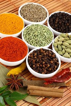 7 herbs for common ailments natural health herbs spices natural remedy remedies natural remedies cure home remedies herb ailments Holistic Remedies, Natural Health Remedies, Natural Cures, Natural Healing, Herbal Remedies, Natural Treatments, Health Heal, Health And Wellness, Health Tips