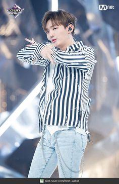 Mnet weibo updated with Kim Jaehwan, Kpop, Ji Sung, First Baby, Ruffle Blouse, Women, Produce 101, Breeze, Stage