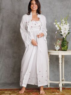 Truly a gown to love and be loved in, this irresistible import is finest White cotton batiste preciously adorned with hand embroidered Pink. Pyjamas, Luxury Nightwear, Vintage Nightgown, Heirloom Sewing, Mode Vintage, Sleepwear Women, Rose Buds, Victorian Fashion, Well Dressed