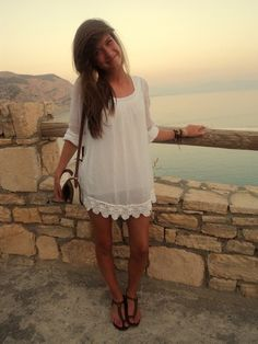 simple white dress & lace. perfect for beach/summer!
