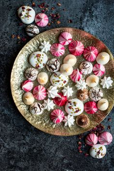 You Won't Believe These Beautiful Meringues Are Vegan — Delicious Links