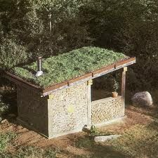 Cordwood Masonry Sauna....just want to show the combo of cord and a green roof!
