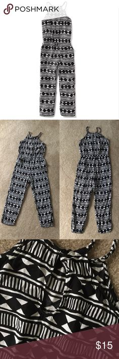 Geo Print Jumpsuit Braided neckline & spaghetti straps. Elasticize waist. Slant pockets in front. Keyhole in back. Buttons at neck. Excellent condition. Only worn once. Old Navy Bottoms Jumpsuits & Rompers