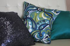 Mixing patterns and textures! Wholesale Linens, Mixing Patterns, Linen Rentals, Throw Pillows, Couture, Cover, Creative, Fabric, Tejido