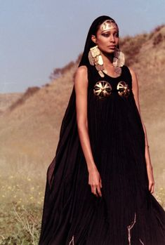 Oh Hello Mr Soul. // vintagegal: Donyale Luna in Fellini Satyricon dir. by Federico Fellini Estilo Hippie Chic, Hippy Chic, 1960s Fashion, Fashion Models, Vintage Fashion, Black Is Beautiful, Beautiful People, Vintage Black Glamour, Vintage Mode