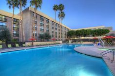 Radisson Hotel Phoenix North Phoenix (Arizona) Situated 17 km from Wet & Wild Water Park, this Phoenix hotel offers a heated outdoor pool and hot tub.  Free WiFi is included in all guest rooms.