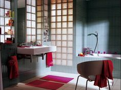 Des cloisons de salle de bains en briques de verre | Leroy Merlin