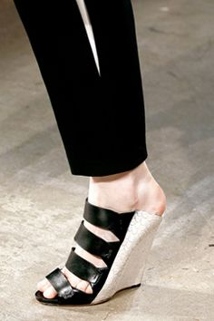 Narciso Rodriguez Spring 2013 Ready-to-Wear Collection on Style.com: Detail Shots