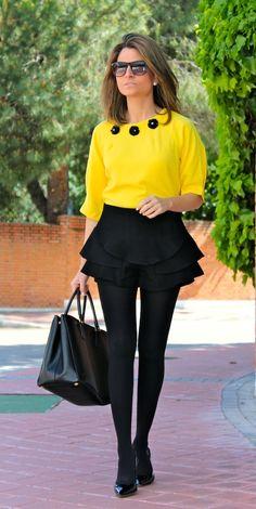 Fashion and Style Blog / Blog de Moda . Post: June and...tights again!/Junio y ...medias de nuevo!.See more/ Más fotos en : http://www.ohmylooks.com/?p=16359