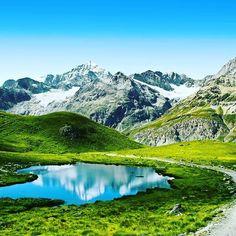 Art of Matterhorn Mountain #swiss #italy #traveling #travelingram #travelinggram #instagramtravel #mytravelgram #amazingworldtravels #eurotrip #eurotravel #igtravels