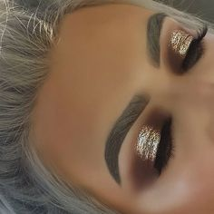 Super Makeup Gold Glitter Eyeshadows Brows 29 Ideas - Prom Makeup For Brown Eyes Eye Makeup Cut Crease, Gold Eye Makeup, Kiss Makeup, Glitter Brows, Glitter Makeup, Brown Glitter Eyeshadow, Glitter Gif, Make Up Tutorials, Prom Makeup For Brown Eyes