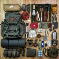 Top bushcraft know-hows that all wilderness lovers will certainly want to learn today. This is most important for bushcraft survival and will definitely defend your life. Bushcraft Camping, Bushcraft Kit, Backpacking Gear, Camping And Hiking, Camping Survival, Outdoor Survival, Camping Gear, Outdoor Camping, Camping Hacks
