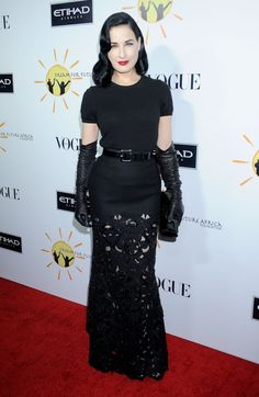 Pin for Later: Proof That Cocktail-Length Gloves Are as Classic as Classic Gets Dita Von Teese The burlesque star is definitely a fan of this style — and she wears it well.