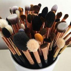 Imagem de makeup, Brushes, and make up Kiss Makeup, Love Makeup, Makeup Brush Set, Hair Makeup, Makeup Style, Sweet Makeup, Amazing Makeup, Gorgeous Makeup, Makeup Goals