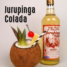 Jurupinga Colada Aperol Drinks, Alcoholic Drinks, Bar Drinks, Cocktail Drinks, Chef Recipes, Everyday Food, Hot Sauce Bottles, Bartender, Alcoholic Drink Recipes