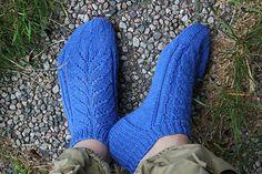 Ravelry: Pinky pattern by Trude Hertaas Ravelry, Socks, Pattern, Knitting, Inspiration, Fashion, Tejidos, Stockings, Biblical Inspiration