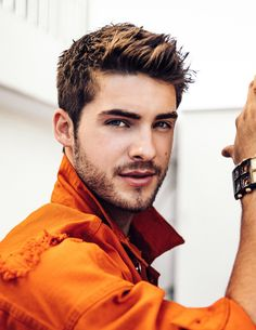 Hayes (Cody Christian) *ASSASSIN - Older brother of Seraphina, has been through the same thing as her but were separated when she was 14 but was taught not to love. Cody Christian, Christian Actors, Pretty Little Liars, Pretty Boys, Most Beautiful Man, Gorgeous Men, Meninos Teen Wolf, Teen Wolf Boys, Bad Boys