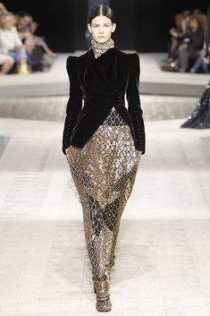 Givenchy Fall 2009 Couture Fashion Show - Kendra Spears