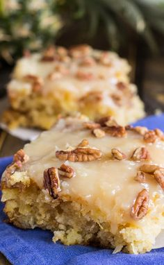 Pineapple Sheet Cake flavored and moistened with crushed pineapple and topped with a sweet icing laced with shredded coconut, and sprinkled with pecans is a wonderful dessert to make to feed a crowd. 13 Desserts, Delicious Desserts, Dessert Recipes, Yummy Food, Frosting Recipes, Cheesecake Desserts, Health Desserts, Spicy Recipes, Sweet Recipes