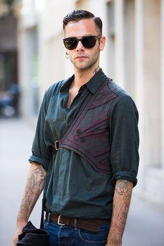 Street looks à la Fashion Week homme printemps-été 2016 de Paris | Vogue