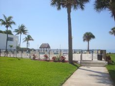 Marathonb $700 a week 750 sq ft 1st floor condo VRBO.com #480617 - Ocean Views, Heated Pool, Private Beach, Tennis