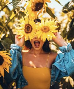 Best Travel Pose images in 2019 - Page 25 of 28 - Crushappy Sunflower Field Photography, Summer Photography, Girl Photography, Creative Photography, Conceptual Photography, Artistic Photography, Sunflower Field Pictures, Sunflower Pics, Sunflower Drawing