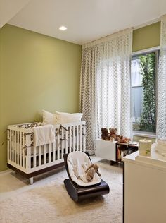 These green design ideas give you inspiration to create unique and exclusive int - Gardinen Kinderzimmer - Vorhang Nursery Themes, Nursery Room, Nursery Ideas, Bedroom Kids, Nursery Inspiration, Kids Room, Mid Century Nursery, Floor To Ceiling Curtains, Hang Curtains