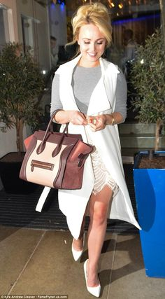 Hollyoaks' Jorgie Porter steps out for a lavish meal with pals | Daily Mail Online