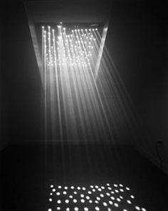 Boston Architecture : photographie en noir et blanc ミ abelardo morell © light entering our house…