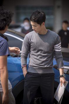 Song Joongki as Yoo Si Jin of Behind The Scene KDrama 'Descendants Of The Sun (태양의 후예 )'