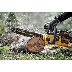 Best Battery Chainsaw Or Cordless Chainsaws aren't easy to find. To make it more simple I made this list based on customer's feedback with expert opinion. Home Tools, Diy Tools, Chainsaw Reviews, Battery Powered Chainsaw, Best Chainsaw, Cordless Chainsaw, Dewalt Tools, Ideas, Woodworking Tools