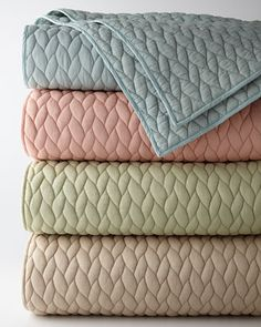 cute colorful quilts http://rstyle.me/n/s5hjzr9te