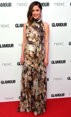 Rose Byrne in a floral Christopher Kane gown at Glamour UK's Women of the Year Awards in London. Pink Carpet, Red Carpet Ready, Red Carpet Looks, Beautiful Dresses, Nice Dresses, Formal Dresses, Rose Byrne Style, Glamour Uk, Christopher Kane