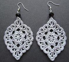 Best Ideas for crochet lace earrings beads Crochet Jewelry Patterns, Crochet Earrings Pattern, Crochet Motifs, Crochet Bracelet, Thread Crochet, Crochet Accessories, Crochet Stitches, Crochet Jewellery, Lace Jewelry