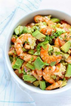 This light and simple Shrimp Avocado Salad uses only a few simple ingredients with a zesty lime olive oil dressing that adds a burst of fresh flavor! Healthy Meal Prep, Healthy Nutrition, Healthy Snacks, Healthy Eating, Seafood Recipes, Diet Recipes, Cooking Recipes, Healthy Recipes, Shrimp Salad Recipes