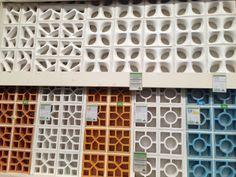 "Cóbogos pra um ""puxadim "".... Breeze Block Wall, Privacy Walls, Brick Patterns, Bricks, Diy And Crafts, Modern, House, Furniture, Minimalist Decor"