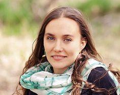 6 Questions with Lotus Wei Founder, Katie Hess #lotuswei #aromatherapy #floweressences #floweralchemy #flowerevolution