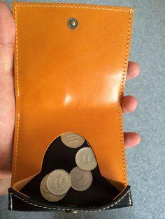 """""""久しぶりに財布購入!最後に財布買って5年以上は経つ。そんな自分がクアトロガッツのコリーナを購入。これから革がどんどん柔らかく、より薄くなっていく予感☆キャッシュレス化が進むのでもうこの先財布を買う事は無さそう! #小さいふ #薄い"""""""