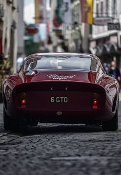 This Ferrari 250 GTO paint job is the same color as the Italian Rose I drank last night...  ;)