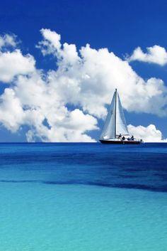 Sailing at the Whitsunday Islands.