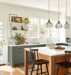 Kitchen Ikea, Kitchen Redo, Home Decor Kitchen, Kitchen Interior, New Kitchen, Home Kitchens, Kitchen Dining, Earthy Kitchen, Green Kitchen Island
