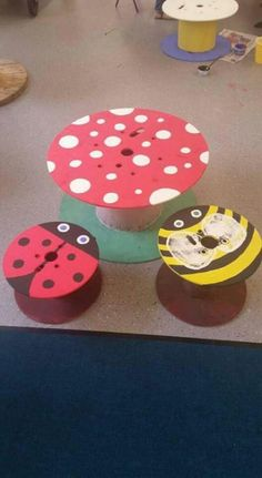 New craft table ideas eyfs 58 ideas Wooden Spool Tables, Cable Spool Tables, Wooden Spools, Cable Spools, Cable Reel Table, Wooden Cable Reel, New Crafts, Crafts For Kids, Kids Outdoor Play
