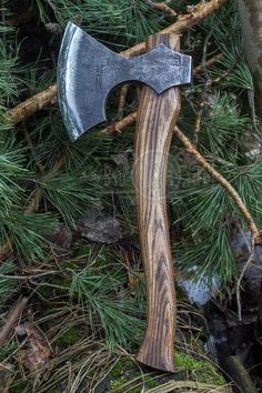 Bushcraft Gone Wrong: Myths and Advice that Could Get You Killed - Way Outdoors Bushcraft Axe, Survival Axe, Survival Shelter, Vikings, Wood Axe, Blacksmithing Knives, Axe Handle, Viking Axe, Beil