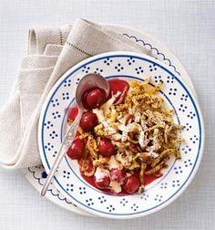 Mohn-Spätzle mit heißen Kirschen