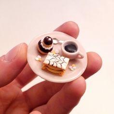 AIMANT Pâtisseries Café - Religieuse, mille feuille et café - Fimo et céramique par sugarpop-creation Facebook : http://www.facebook.com/sugarpopcreation  #miniaturefood #polymerclay #fimo #handmade #millefeuille #cakes #food #religieuse #chocolat #gourmand #kawaii #sugarpopcreation #miniatures #france #tdc #bijoux #gourmands