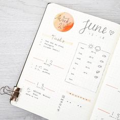 325 vind-ik-leuks, 7 reacties - joos | bullet journal newbie (@bu.joos) op Instagram: 'J U N E // weekly I love trying out new lay-outs. I think I can never commit to using one lay-out…'