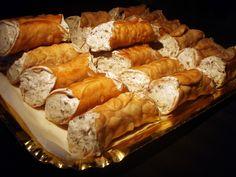 La #ricetta per preparare dei buonissimi #cannoli #siciliani in versione #light #vegan