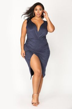 Fashion Nova has of plus size dresses for women. Shop plus size cocktail dresses, long dresses, bodycon dresses for your next gram-worthy going out look. Shop our sale items for cheap plus size dresses online! Plus Zise, Mode Plus, Looks Plus Size, Plus Size Model, Plus Size Dresses, Plus Size Outfits, Molliges Model, Pernas Sexy, Modelos Fashion