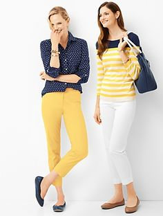 38 Stylish Cropped Pants Outfit Ideas For Work In Early Fall - Because those long summer days are rapidly offering approach to cool fall nights does not have to imply that your whole summer closet has seen its las. Yellow Jeans Outfit, Yellow Pants, Pants Outfit, White Pants, Preppy Mode, Preppy Style, Stylish Outfits, Fashion Outfits, Boho Fashion
