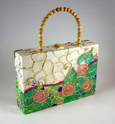 Cigar Box- How to Paint a Box Bag Purse Making & Texture Painting Tutorials Cigar Box Art, Cigar Box Purse, Cigar Boxes, Cigar Box Projects, Cigar Box Crafts, Asking Bridesmaids, Bridesmaid Boxes, Wedding Gifts For Groomsmen, Groomsman Gifts